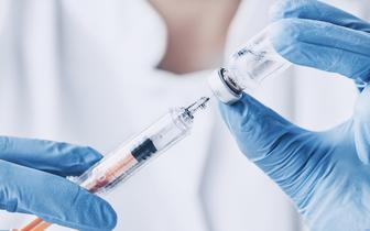 Prof. Andrzej Gamian: Część osób ma już odporność na koronawirusa, nie wszyscy muszą się szczepić