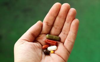 Doustne szczepionki przeciw Covid-19. Ruszają testy kliniczne