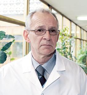 prof dr hab. n. med. Maciej Krzakowski, Klinika Nowotworów Płuca Klatki Piersiowej Narodowego Instytutu Onkologii
