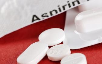 Kwas acetylosalicylowy a ryzyko raka jelita grubego