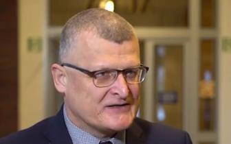 Dr Paweł Grzesiowski: Punkty szczepień drive-thru to rozwiązanie zbędne, rodem z thrillera o pandemii