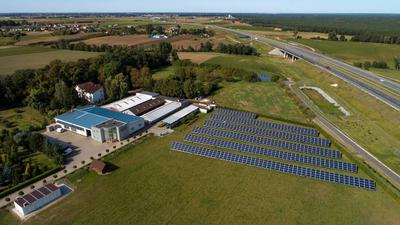 Największa w Polsce farma fotowoltaiczna z magazynem energii, Almides, moc 246,4 kWp.