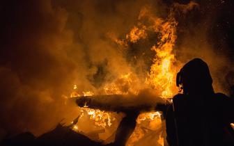W Zamościu podpalono sanepid i punkt szczepień. Policja powołuje specjalną grupę