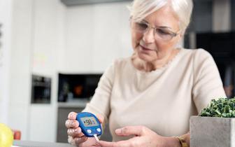 Amerykańscy diabetolodzy apelują o priorytetowe szczepienie przeciwko COVID-19 pacjentów z cukrzycą