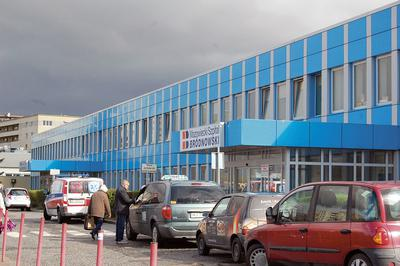 Czy wyrok TK rozpędzi ciemne chmury nad samorządowymi placówkami? Zobowiązania stołecznego Szpitala Bródnowskiego urosły już do 10 mln złotych - wyliczają władze placówki.