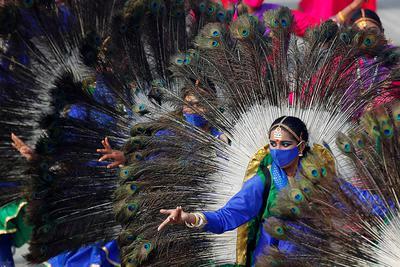 Tancerka podczas próby generalnej przed obchodami Dnia Republiki.New Delhi, 23 stycznia 2021