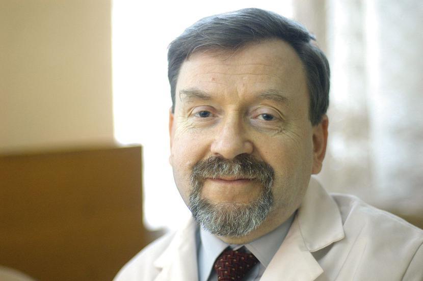 Prof. dr hab. n. med. Piotr Głuszko, kierownik Kliniki Reumatologii Narodowego Instytutu Geriatrii, Reumatologii i Rehabilitacji w Warszawie