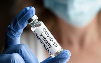 Moderna: trzecia dawka szczepionki chroni przed wariantami z Brazylii i RPA