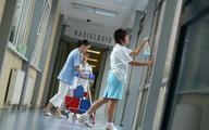 Pracownicy niemedyczni oburzeni niskimi zarobkami. Chcą dodatków finansowych