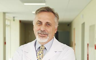 Konieczna jest personalizowana opieka nad pacjentkami z wczesnym rakiem piersi HER2+