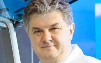 Prof. Andrzej Mackiewicz: Pracujemy nad szczepionką przeciw SARS-CoV2, która zarazem leczy