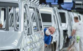 Przemysł motoryzacyjny odrabia straty