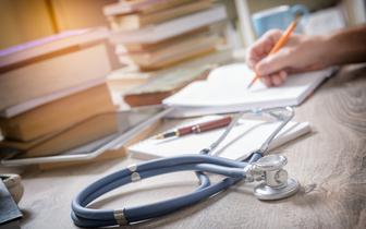 Niedzielski: będzie projekt dopuszczający kształcenie lekarzy w szkołach zawodowych