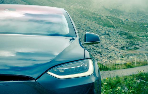 Tesla domaga się przywrócenia wyższych kar za nadmierną emisję